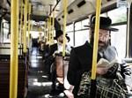 לא להפרדה בכפיה. אוטובוס מהדרין. צילום: פלאש 90