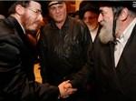רבי ישראל הגר מברך את אבי הכלה