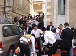 אנשי 'הצלה ישראל' בזירת התאונה. צילום: הצלה ישראל