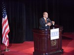 השר אהוד אולמרט נואם בפני ראשי 'הפורום למדיניות ישראל'