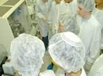 המדענים הצעירים בביקור ב'אינטל'. צילום: ישראל הדרי