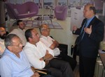מנהל השיווק של ליבה וליבהר עמי גרינברג מרצה בפני העיתונאים