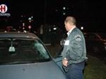 שוטר בוחן את הרכב שפגע בילד. צילום: hnn.co.il