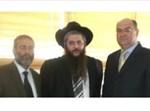 """מימין לשמאל: שגריר אוקראינה בישראל, הרב משה אסמן ועו""""ד ציבין"""