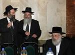 """הרב אברהם רובינשטיין סגן רה""""ע עם הרב משה גודלבסקי, מראשי 'קרן הילד,' והרב שטיין (יושב)"""