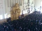 אלפים שומעים את ההספדים בהיכל הישיבה. צילום: מ. רוט 'חרדים'