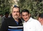 אבי גואטה (משמאל) עם חיים ישראל. צילום: חסידיניוז