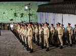 """חיילים ברחבת הכותל המערבי ביום הזיכרון תשע""""ב, צילום: פלאש 90"""