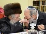 """הרב הושע עם אביו זצ""""ל. צילום: שוקי לרר"""