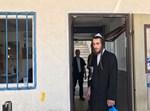 דוד קרויס מסגיר את עצמו בתחנת משטרה