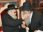 """הרב רפאל כהן עם המכתב אצל הגר""""ע יוסף"""