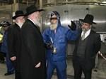 הרבנים עם הנהלת קוקה קולה