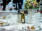 ארוחה, סעודה, מסעדה, אולם, חתונה, דייט, פגישה, כוסות, צלחות, קייטרינג, מלון, יין, כוסות