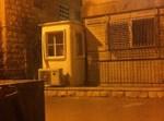 ביתן המאבטח בפתח ביתו של ליצמן. צילום: יהושע א.