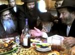 """האדמו""""ר רבי זלמן-לייב מסאטמר במפגש. מימין, ר' שלמה דרימער. צילום: COL"""
