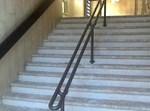 מדרגות המוות עם המעקה החדש. צילום: הופמנייעס