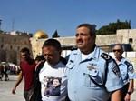 """המפכ""""ל אלשיך עם אביו של שוטר שנהרג בפיגוע בהר הבית"""