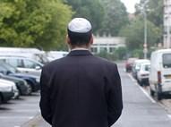 יהודי חובש כיפה