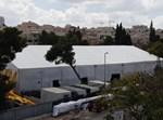 אוהל הענק של חסידות קרלין לימים הנוראים