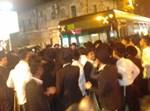 המפגינים חוסמים את התנועה