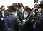 הרב קוסטינר בריקוד עם הרבי מסערט ויז'ניץ