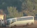 האוטובוס רגע לפני הפגיעה