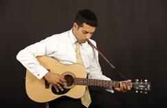 הזמר מאיר מסוארי
