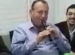 """רון חולדאי מנגן את """"ידיד נפש"""""""