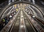 המדרגות לרכבת התחתית בסנט פטרסבורג