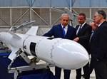 ראש הממשלה ושר הביטחון נתניהו בתעשייה האווירית