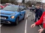 רכב הגנבים מנסה להמלט