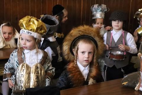 ילדי ירושלים מחופשים