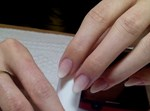 יד מטופחת מעידה על בריאות. ציפורניים: ריקי ארוילי