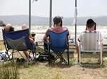 חרדים מתרחצים בחוף הכינרת בטבריה
