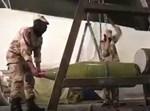 אנשי הגי'אהד עם הטיל החדש