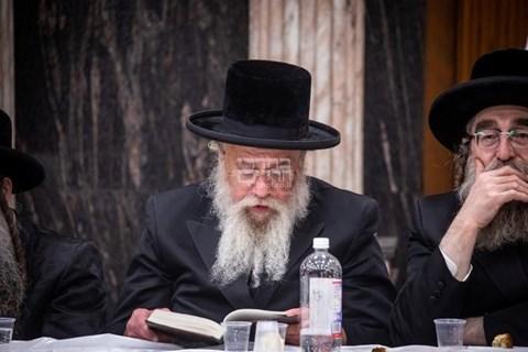 הילולת ה'דברי חיים' אצל הרבי מצאנז קלויזנבורג