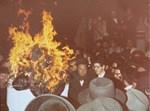 הרב מבאיאן לפני ארבעים שנה מדליק את המדורה