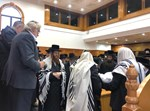 הרבי מקאליב בשמחת ברית במנצ'טסר