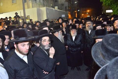"""הלווית הרבנית מפאשקאן זצ""""ל"""
