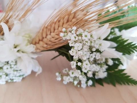זר פרחים לשבועות
