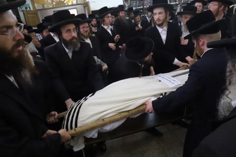 הלווית הרב קורנרייך בירושלים