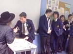 """הרבי מקאלוב בביקור בבית הספר במנצ'סטר בשנת תשע""""א"""