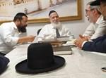 הרבנים ועסקני רמת גן בהתייעצות עם נשיא המועצת