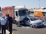 תאונה קטלנית בין משאית לרכב בכביש 7