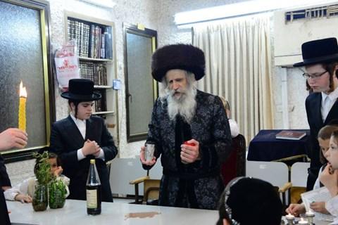 הרבי מנדבורנה חדרה בישראל לרגל הילולת אביו