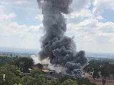 פטריית עשן מעל מפעל תעש