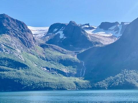 האזור הקרחוני בעדשת הצלם