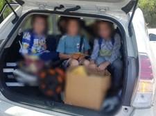 ילדים בתא המטען