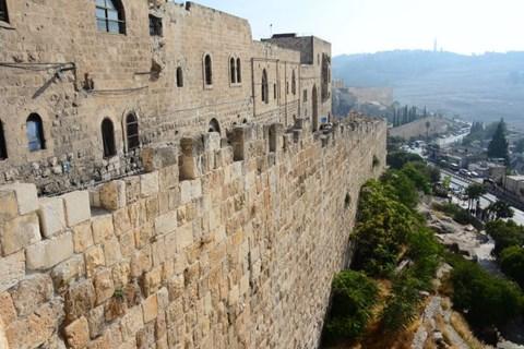 הכותל המערבי והעיר העתיקה