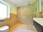חדר המקלחת
